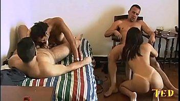 monica mattos e sua amiga em um sexo a quatro com dois amigos sortudos