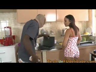 tumblr 18 assaltante pegando dona de casa a força na cozinha