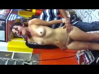 sexo gostoso com brasileira safadinha participando de orgia amadora