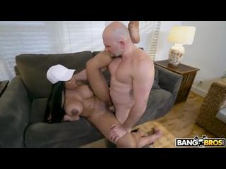 anal com novinha negra peituda dando a xoxota no sofá