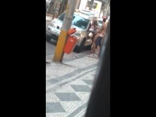 menina caiu na net fazendo sexo no meio da rua de dia