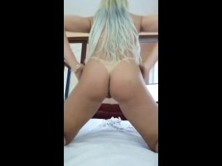 novinha bronzeada muito safada se mostrando no porno amador gratis