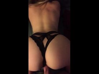 sexo de calcinha rabuda dando a pepeca com calcinha preta