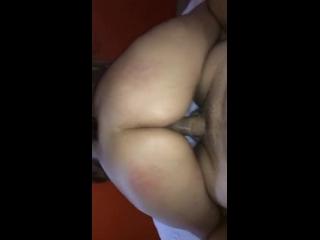 video boafoda da garota gostosa fazendo o macho gozar ao galopar