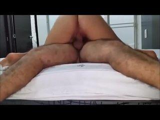 videos de sexo em desenho dando a buceta e segurando na cama