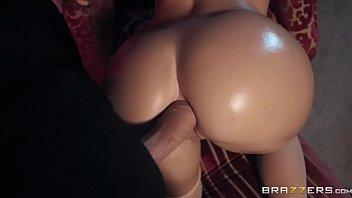 Vídeo de mulher nua com uma loira que sabe bem o que quer de quatro