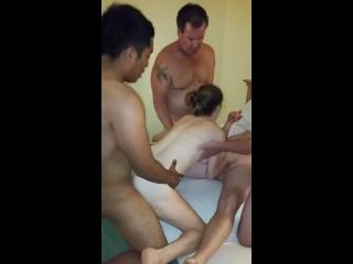 estupro novinha participando de suruba com quatro homens tarados