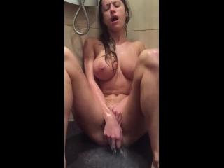 masturbacao xvideos morena peituda metendo consolo na xana