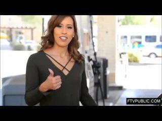 sexo en publico loira magrinha mostrando a pepeca na rua