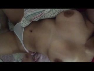 tia nua batendo siririca se acariciando cheia de tesão na buceta