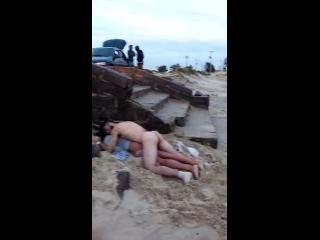 wwwxvideoscom casal transou na areia da praia no carnaval e dormiram