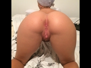 gostosa virgem masturbando a buceta carnuda toda deliciosa