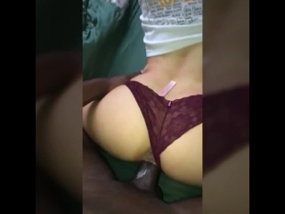 sexo bundao da amadora de quatro e pauzao grosso entrando na xota