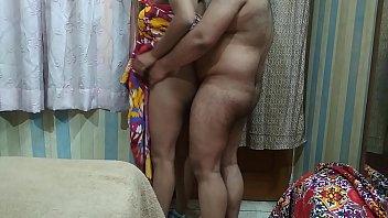 sexo com a esposa gordinha exibindo ela pelada para todo muno vê