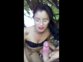 mulher bebendo porra no porno caseiro que caiu na net