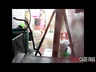 anal x videos vizinha safadinha caiu na net tomando banho no quintal