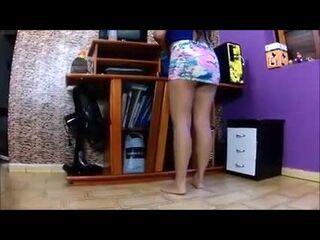 filme de sexo selvagem marido filmando esposa gostosa arrumando a casa