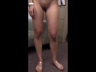 mia khalifa x se mostrando pelada exibindo as partes íntimas carinhosamente