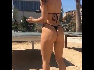 mulher pelada video jogando ping pong de calcinha dental enfiada no cu